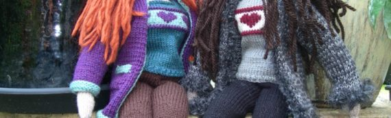 Here come the Girls – Doll knitting pattern